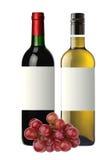 Botellas de vino blanco rojo y y de uvas aislados en blanco Imagen de archivo