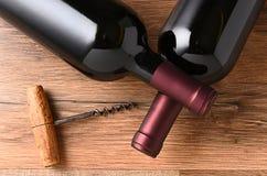 Botellas de vino cruzadas Cork Screw Foto de archivo libre de regalías