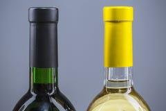 Botellas de vino en fila Fotos de archivo libres de regalías