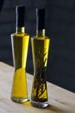 Botellas del aceite de oliva Foto de archivo