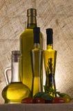 Botellas del aceite de oliva Imágenes de archivo libres de regalías