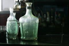 Botellas del vintage con el espacio negro Foto de archivo libre de regalías