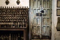 botellas en bodega Fotos de archivo