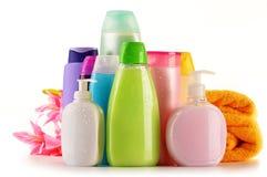 Botellas plásticas de productos del cuidado y de belleza del cuerpo Foto de archivo