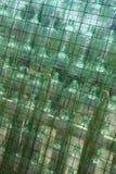 Botellas recicladas verde Imagenes de archivo
