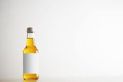 Botellas selladas con la bebida del refresco dentro Imagen de archivo