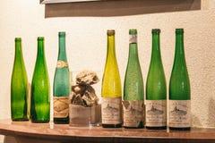 Botellas vacías de vino Fotografía de archivo libre de regalías