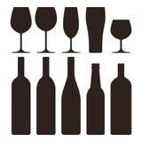 Botellas y vidrios fijados stock de ilustración