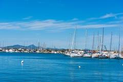 Boten in Alghero-haven in de lente royalty-vrije stock afbeelding