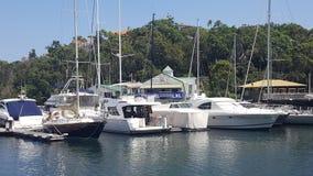 Boten bij de jachthaven in Mosman-Baai, Mosman, NSW, Australië stock foto