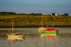 Boten bij de pijler in Oranmore, Co Galway Royalty-vrije Stock Afbeeldingen