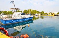 Boten bij Eleusis-haven Griekenland Stock Afbeeldingen