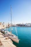 Boten bij haven, Monopoli, Zuidelijk Italië Stock Afbeeldingen