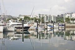 Boten bij jachthaven Royalty-vrije Stock Foto's