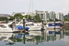Boten bij jachthaven Royalty-vrije Stock Fotografie