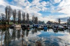 Boten bij Jachthaven in Northampton worden geparkeerd dat Royalty-vrije Stock Foto