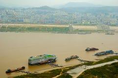 Boten bij Yangtze-rivier stock foto