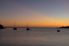 Boten bij zonsondergang Royalty-vrije Stock Afbeeldingen