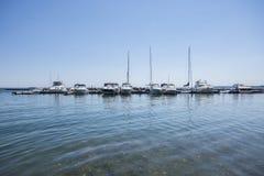 Boten in de jachthaven Stock Foto's