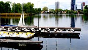 Boten in de rivier van Donau Royalty-vrije Stock Fotografie