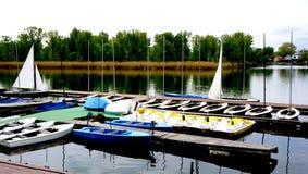 Boten in de rivier van Donau Royalty-vrije Stock Foto's