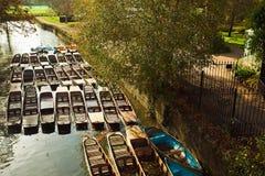 Boten in de rivier van Theems Royalty-vrije Stock Foto