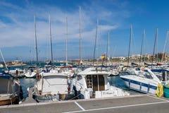 Boten en jachten die in de haven worden vastgelegd royalty-vrije stock fotografie