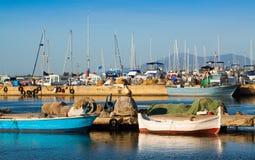 Boten in haven van L'Ampolla Stock Foto's