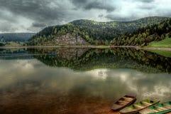 Boten in het meer Stock Afbeelding