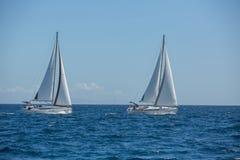 Boten in het varen regatta sailing royalty-vrije stock foto