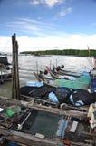 Boten in Kukup visserijdorp Royalty-vrije Stock Foto