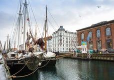 Boten in Nyhavn-straat op 21 December, 2014 Royalty-vrije Stock Afbeelding