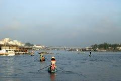 Boten op de mekong rivier in Vietnam Stock Foto