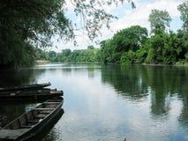 Boten op de rivier Bodrog in Hongarije Royalty-vrije Stock Fotografie