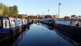 Boten op het kanaal van Manchester Stock Fotografie
