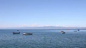 Boten op het meer Ohrid stock footage