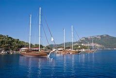 Boten op het Middellandse-Zeegebied stock foto