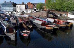 Boten op het oude kanaal van Birmingham in stadscentrum Stock Afbeelding