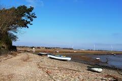 Boten op strand op het Punt van Sunderland, Lancashire stock afbeeldingen