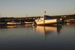 Boten in Parrog Stock Foto's