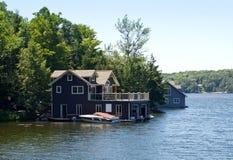 Botenhuis met een boot royalty-vrije stock foto's