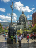 Botero fyrkant i Medellin Colombia royaltyfri fotografi