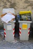 Botes de basura Imagenes de archivo