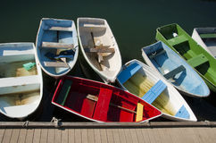 Botes de remos coloridos Fotos de archivo libres de regalías