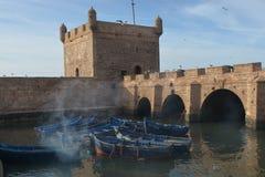 Botes em Essaouira Marrocos imagens de stock royalty free