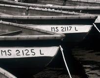 Botes quietos em um porto foto de stock
