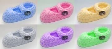Botines coloreados del bebé Imagen de archivo