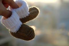 Botines para recién nacido Imagen de archivo libre de regalías
