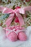 Botines rosados del bebé Imagen de archivo libre de regalías