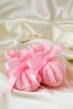 Botines rosados del bebé Fotografía de archivo libre de regalías